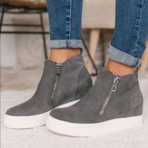 🌺 NWOT! Steve Madden Wedge Sneakers 🌺